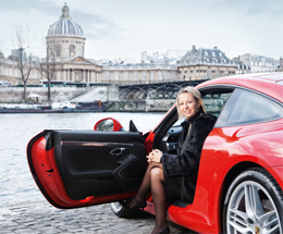 "DRIVING THE NEW CAR ALONG THE SEINE – Lawyer Amélie Leperre-Dimeglio in Paris: ""I associate Porsche with a great sports car tradition."" (photo)"